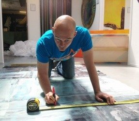 Cutting-a-painted-canvas