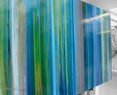 Green and blue vertical stripes
