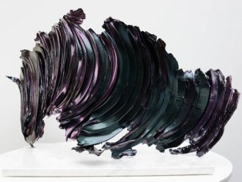 Colour changing sculpture