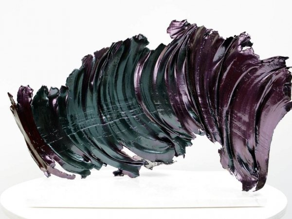 purple-and-green-olour-changing-sculpture-2