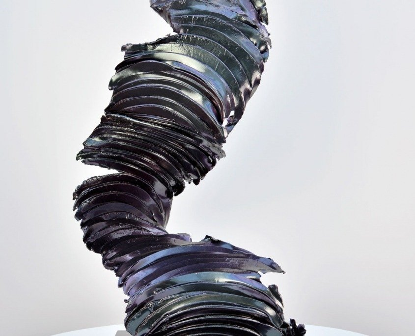 tall-colour-changing-sculpture-4