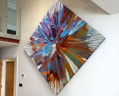 Large-diamond-shaped-contemporary-painting