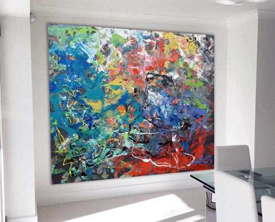 Modern-kitchen-with-a-giant-rainbow-coloured-painting