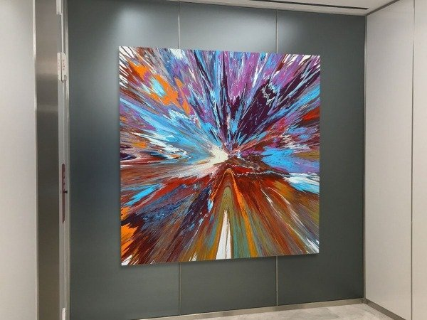Square-art-in-an-elevator-corridor