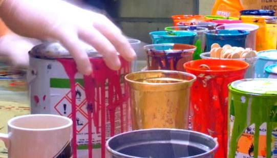 pots-of-coloured-paint